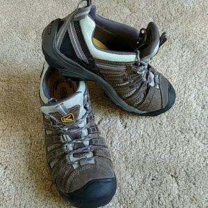 Women's Keen Flint Steel toe hikers